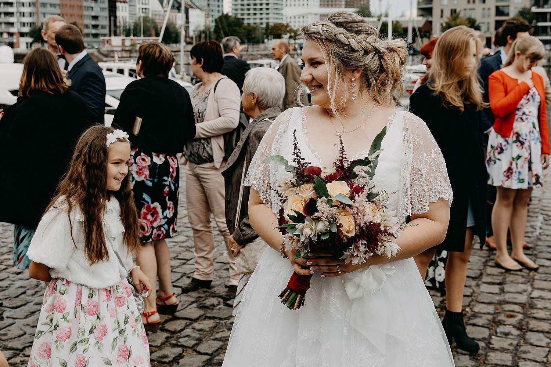 Felix Pakhuis bruidspaar buiten