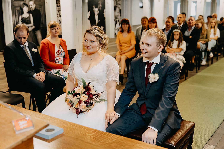 Felix Pakhuis huwelijk bruidspaar in trouwzaal