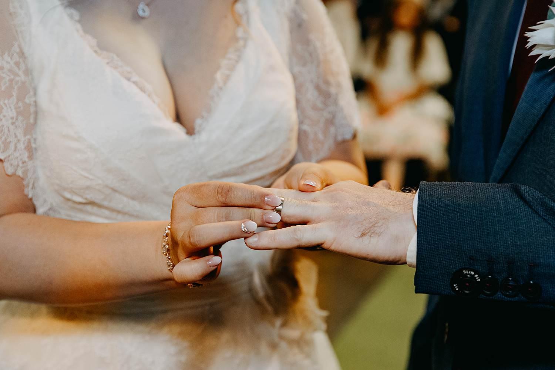 Felix Pakhuis uitwisselen huwelijksringen