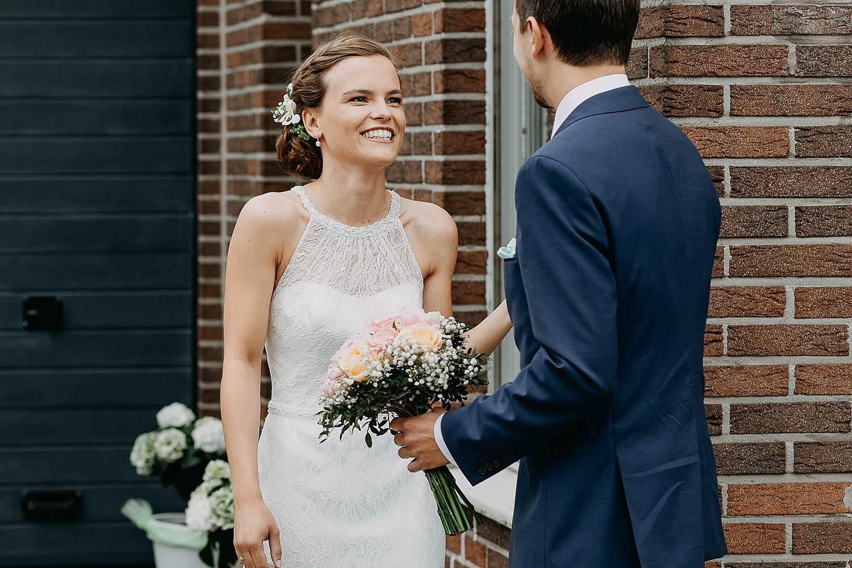 First look huwelijk rond hoek van huis