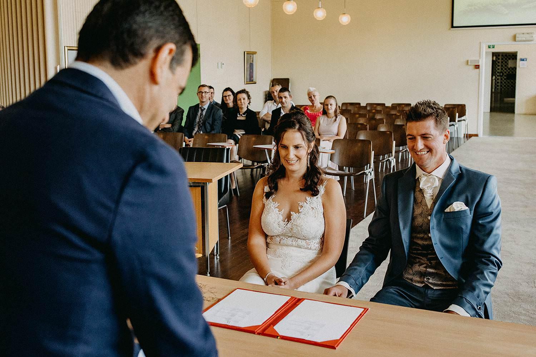 Gemeentehuis Zonhoven bruidspaar trouwzaal