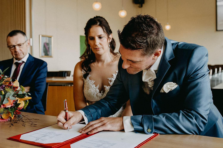 Gemeentehuis Zonhoven huwelijk tekenen
