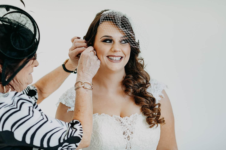 Genk huwelijk aanbrengen juwelen bruid