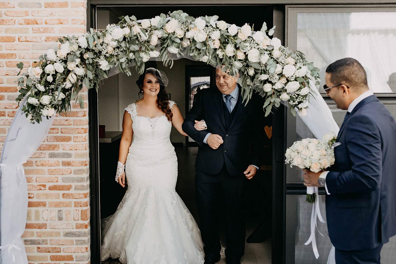 Genk huwelijk uittrede huis bruid met vader