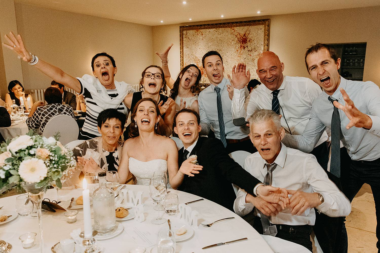 Groepsfoto eretafel Hof te Rhode huwelijk