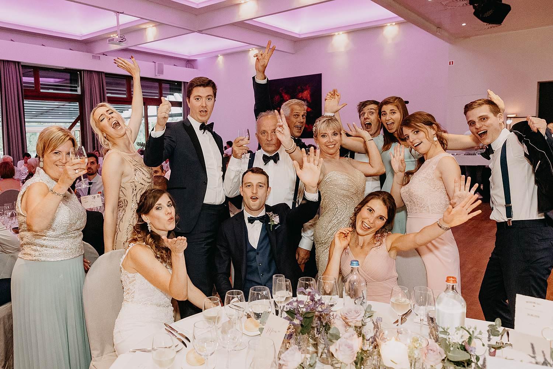 groepsfoto eretafel huwelijk Ekeren