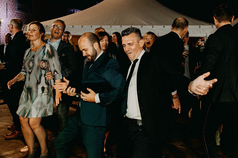 Heerlijckyt van Elsmeren huwelijk gasten dansen