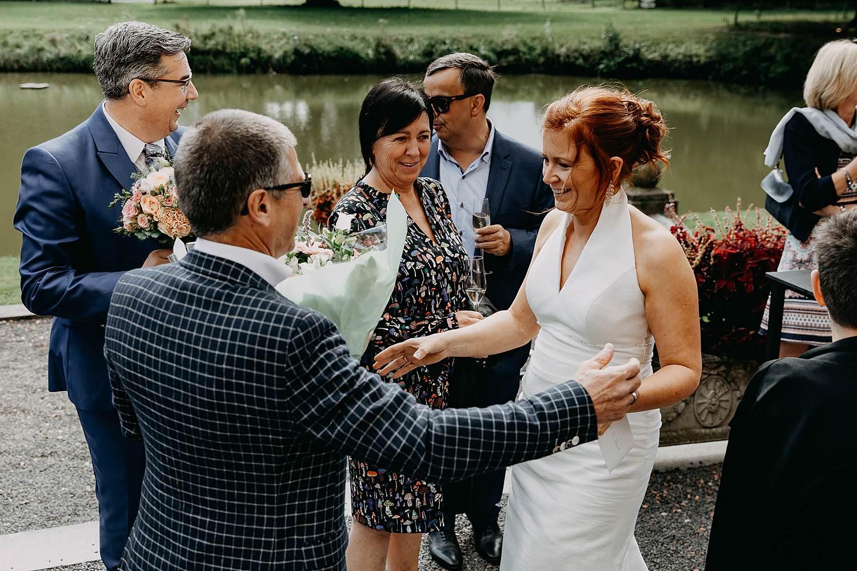 Heerlijckyt van Elsmeren kasteel bruid groet gasten