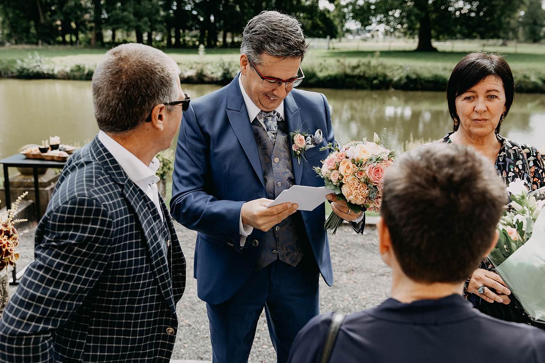 Heerlijckyt van Elsmeren kasteel bruidegom leest brief