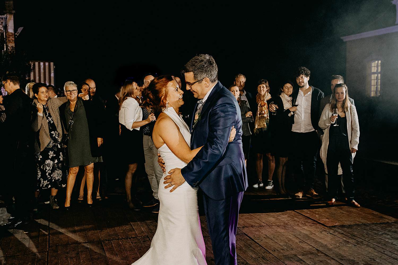 Heerlijckyt van Elsmeren openingsdans huwelijk bruidspaar