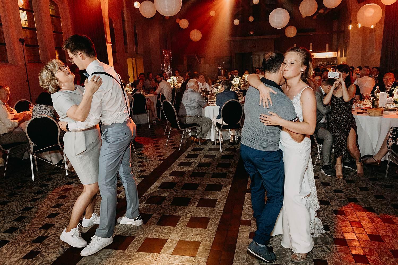 Het Sacrament dansfeest huwelijk