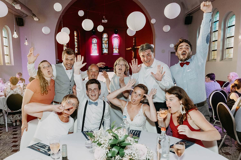 Het Sacrament Rumbeke groepsfoto eretafel huwelijk