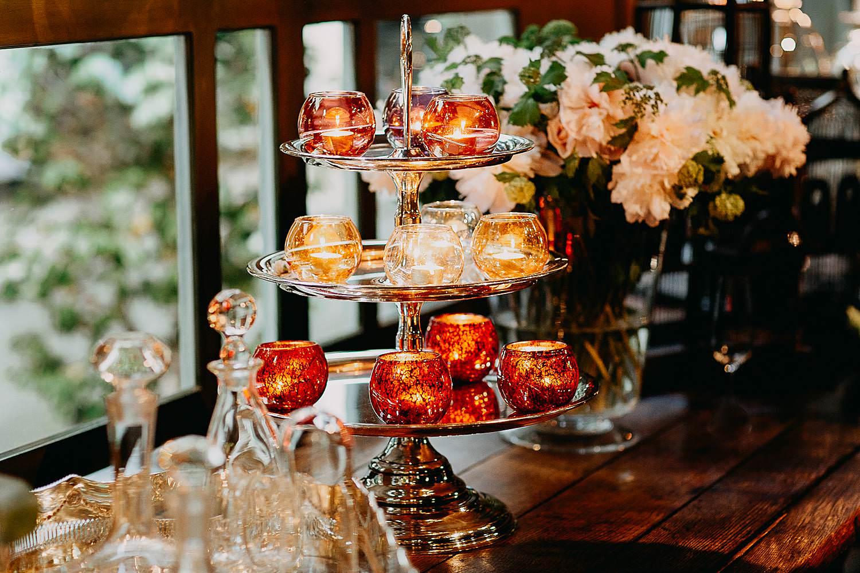 Hof Ten Damme detail kaarsen en decoratie