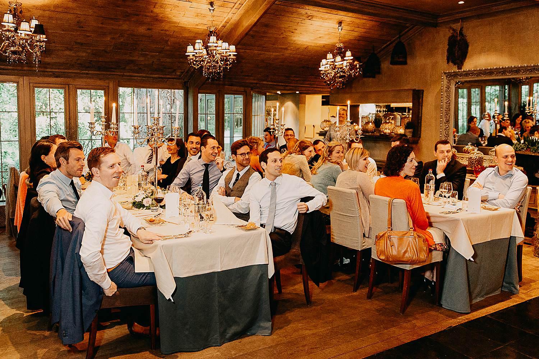 Hof Ten Damme feesttafels met gasten