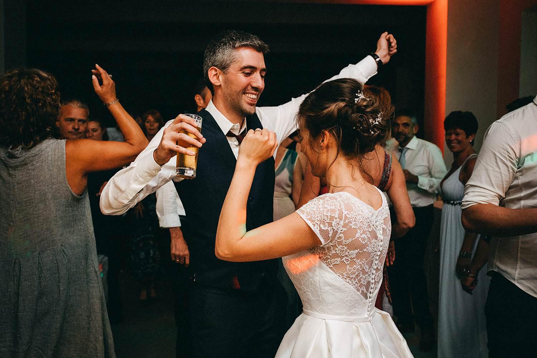 Hof ten Laere bruidspaar danst trouwfeest