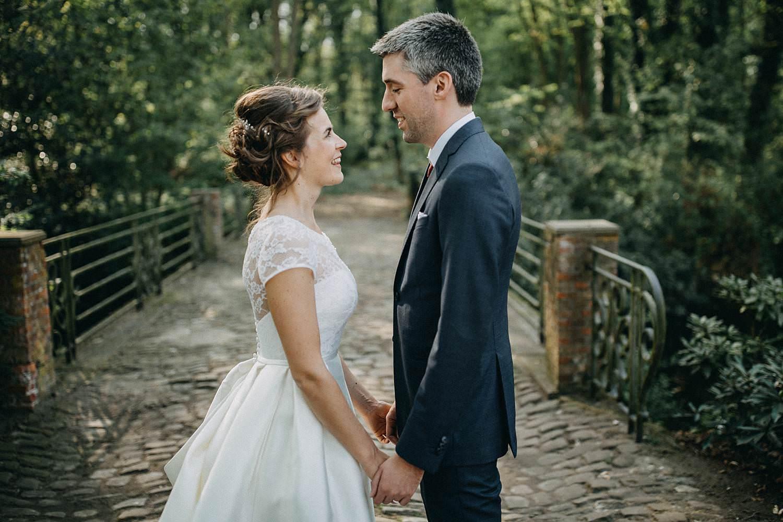Hof Ten Laere bruidspaar in bos