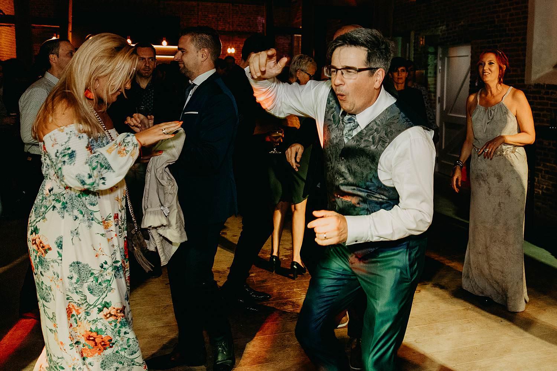 huwelijk bruidegom plezier