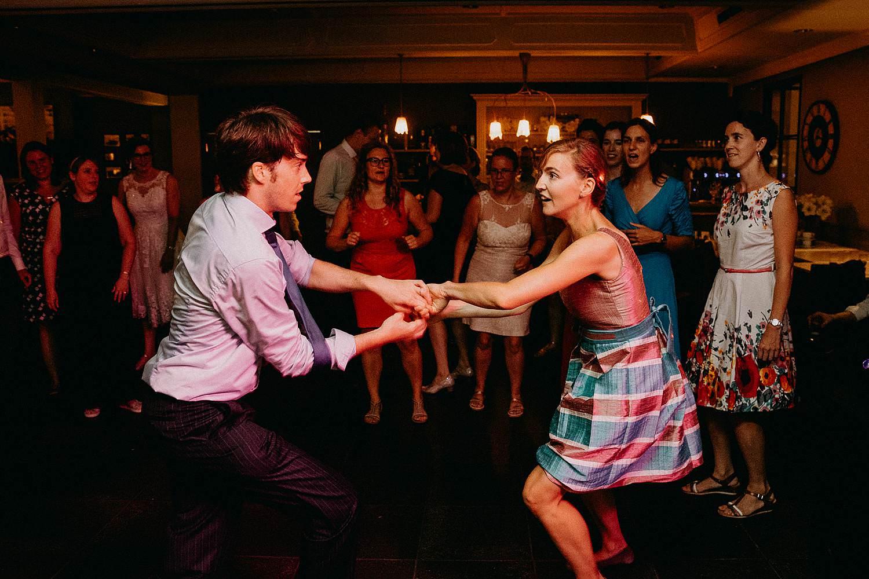 huwelijk gasten dansen