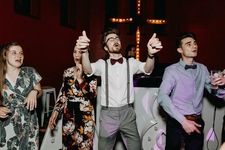 Huwelijk trouw dansfeest