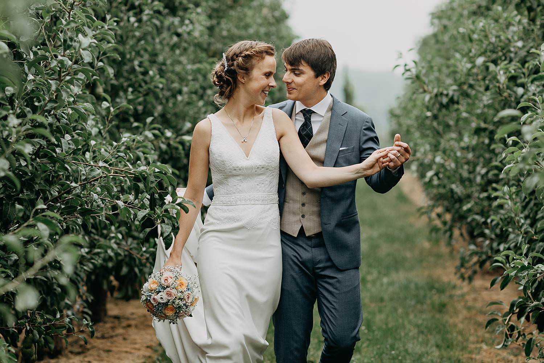 huwelijkspaar wandelt plantages Zoutleeuw