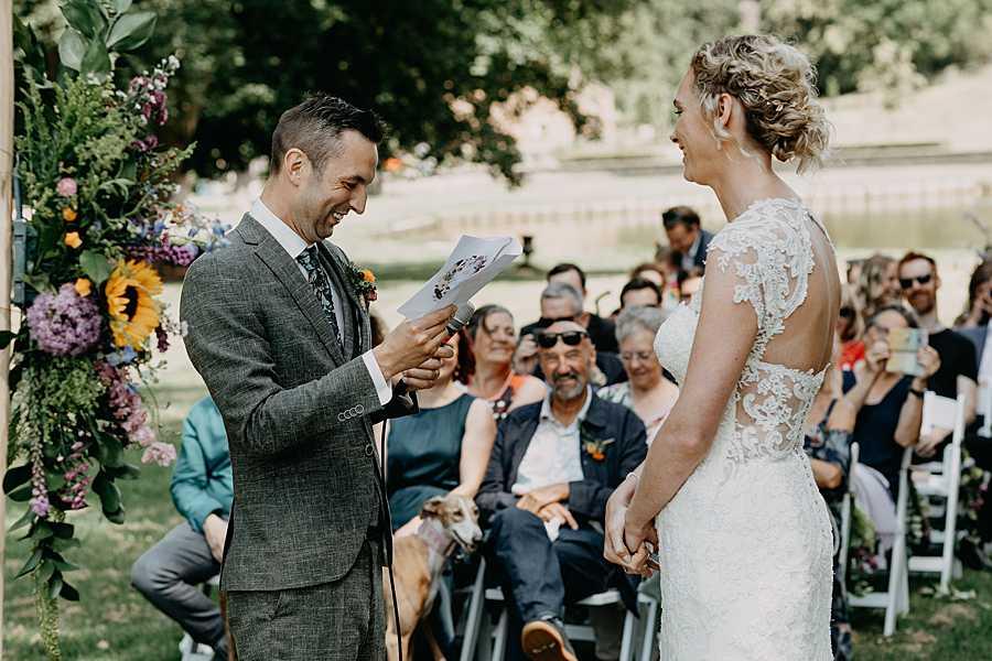 Ja-woord buitenceremonie huwelijk Wijnkasteel Genoelselderen