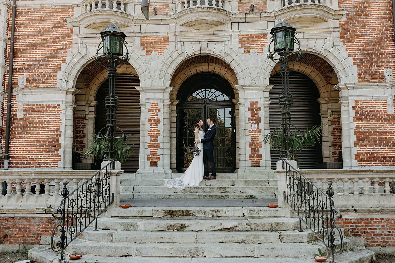 Kasteel Hallehof bruidspaar voor kasteel