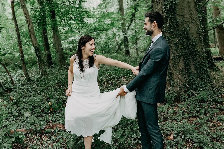 Kasteel Nieuwenhoven bruidspaar huwelijksreportage bos
