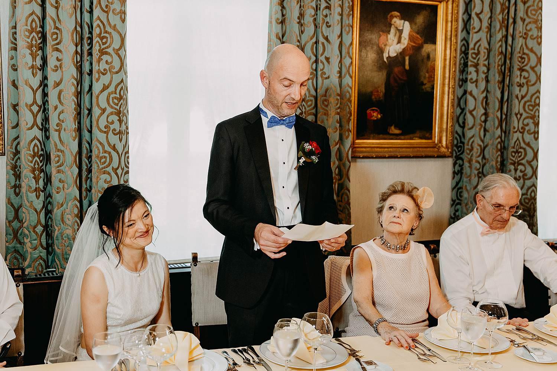 Kasteel Van Nieuwland speech bruidegom