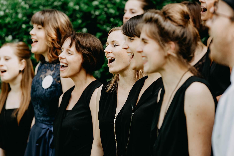 Keienhof buitenceremonie zangeressen