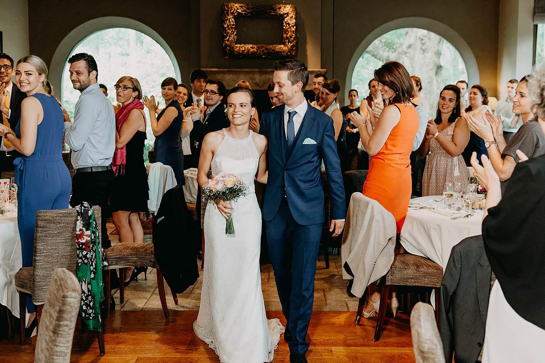 Keienhof intrede bruidspaar in feestzaal