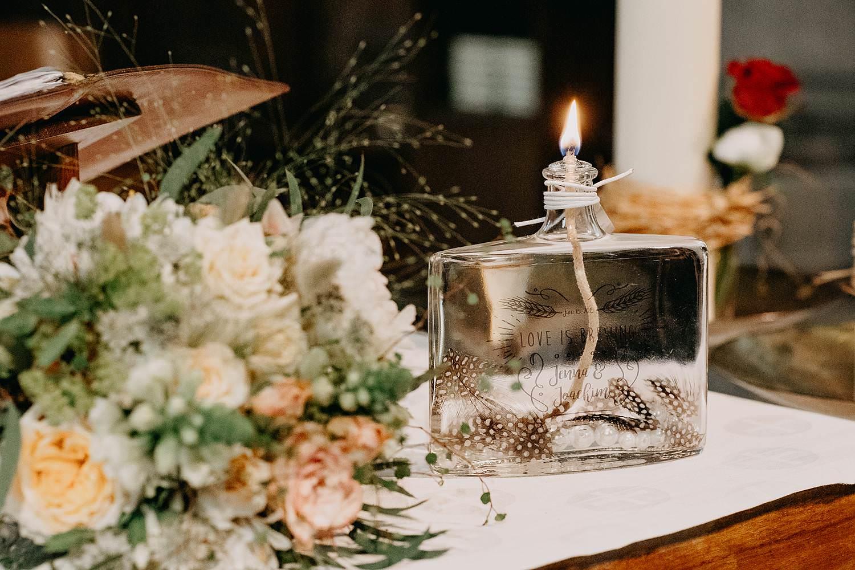 Kerk Liedekerke huwelijksringen op altaar