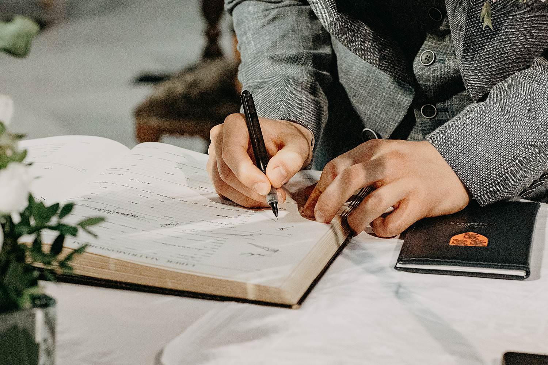 Kerk Liedekerke ondertekenen huwelijk