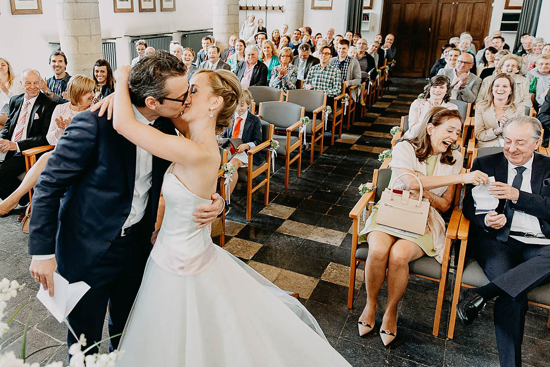 Kerk Millegem huwelijk bruidspaar kust