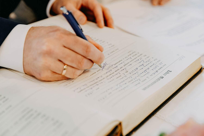 Kerk Millegem huwelijk tekenen