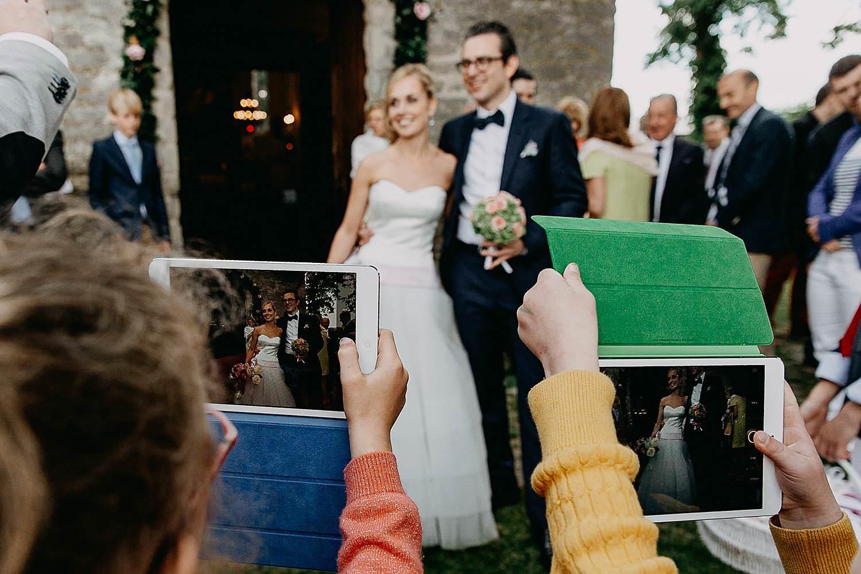 Kerk Millegem huwelijk uittrede bruidskinderen fotograferen