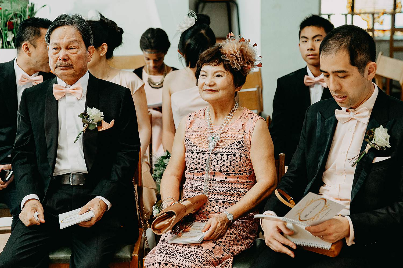 Kerkelijk huwelijk bruid Chinese moeder
