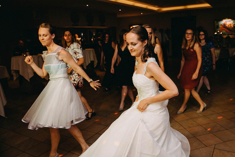 Krekelhof huwelijk bruid danst