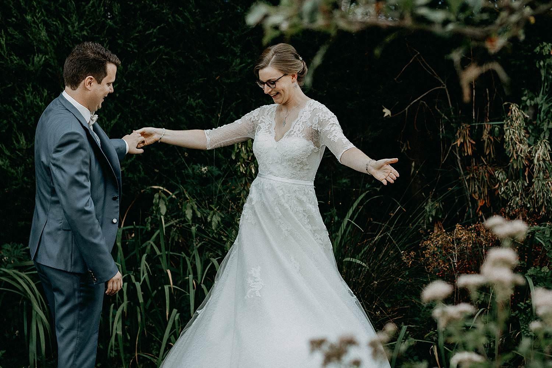 Merelbeke huwelijk first look tuin