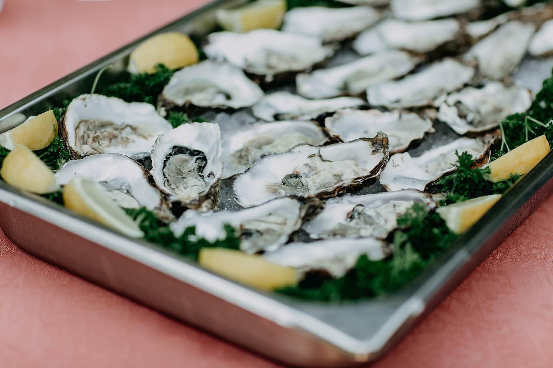 oesters op schotel