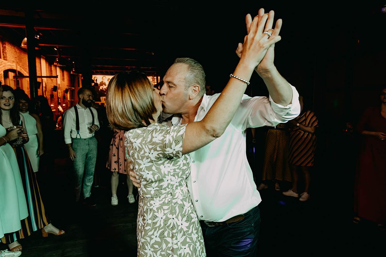 Ter Eeste Roeselare trouw gasten dansen