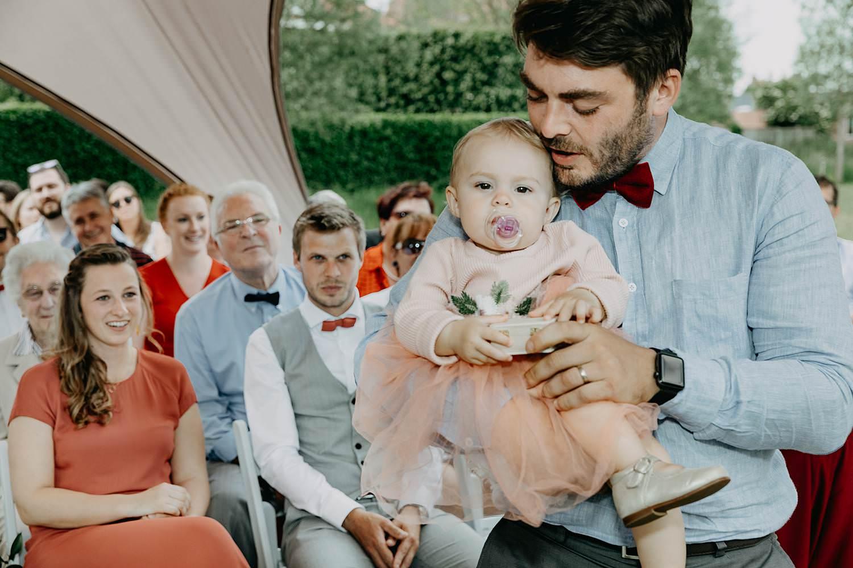 Rumbeke huwelijk baby brengt huwelijksringen