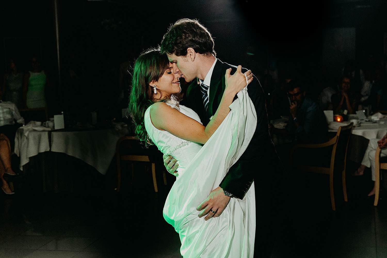 salons caipirinha huwelijk openingsdans bruidspaar danst
