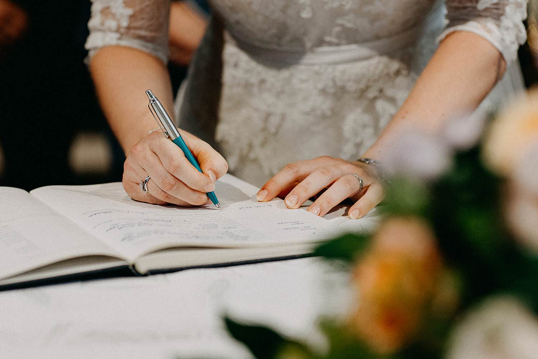 Sint-Dionysiuskerk huwelijk ondertekenen huwelijk