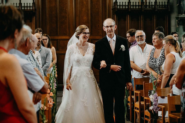 Sint-Dionysiuskerk intrede huwelijk bruid en vader
