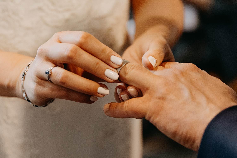 Sint-Genovevakerk huwelijk trouwringen uitwisselen
