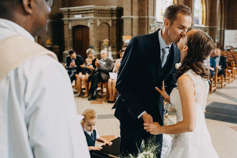 Sint Martinuskerk Houthalen huwelijk bruidspaar kust