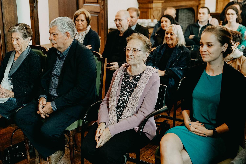 Stadhuis Diest huwelijk familie in trouwzaal