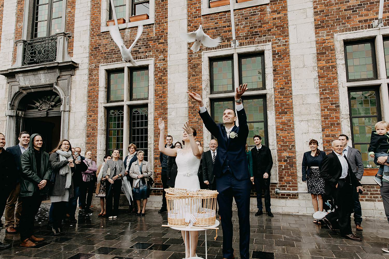 Stadhuis Diest huwelijk loslaten duiven