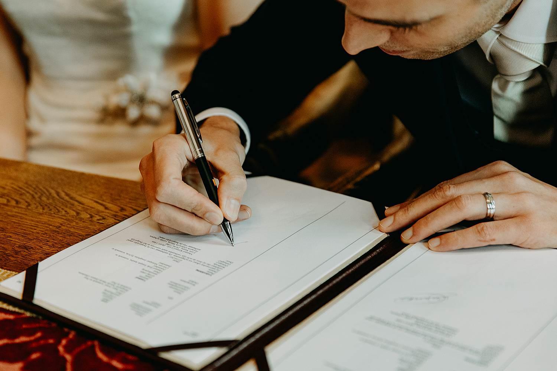 Stadhuis Diest huwelijk tekenen huwelijksakte