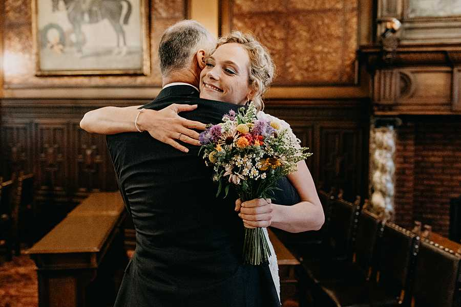 Stadhuis Hasselt bruid groet vader